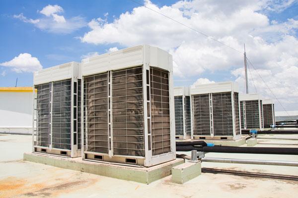 Big outdoor AC units at commercial building tarrace
